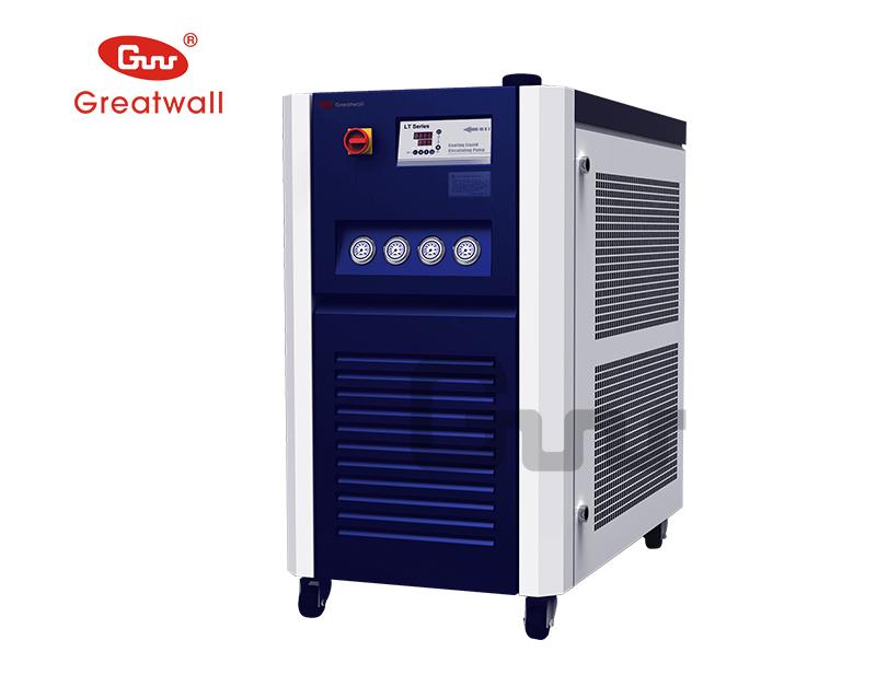 超低温循环冷却器